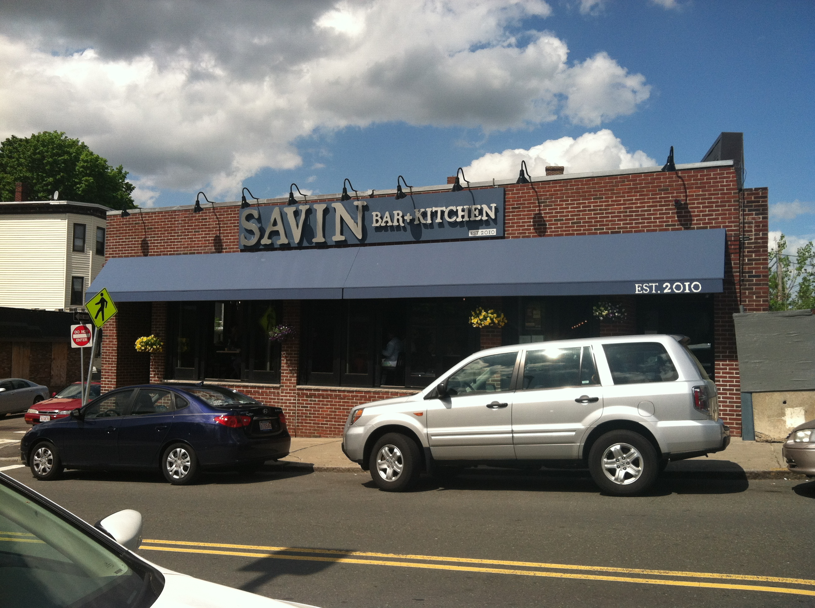 Savin Hill | City Prowls with Invisible Potbelly
